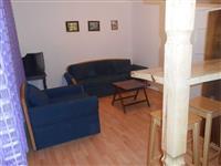 Izdavam apartman vo centar na Belgrad