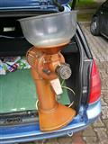 Masina za melenje kafe Boris Kajevik