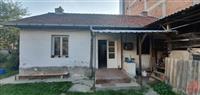 Se izdava kuka vo Tetovo
