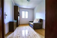 Se izdava stan od 85m2 vo naselba Przino