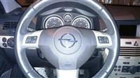 Opel Astra karavan  dizel plus 4 Novi gumi