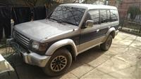 Mitsubishi Pajero 2.5 turbo diesel interculet  -97