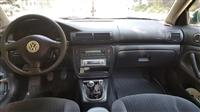 VW Passat 1.9 tdi 82kv full oprema reg cela godina