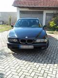 BMW 525 TDS mozna zamena za TOURAN