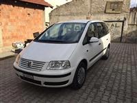 VW Sharan -05