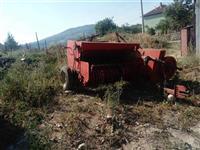 Kombajna traktor