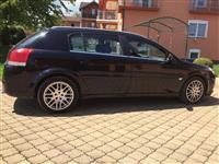 Opel Signum cena po dogovor