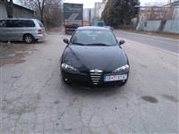 Alfa  147 1.9 jtd registrirana so zelen karton