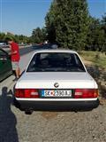 BMW 316 e30