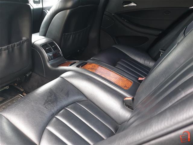 Mercedes-Benz-CLS-320-cdi