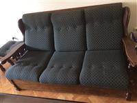 Drven trosed dve fotelji i taburetka