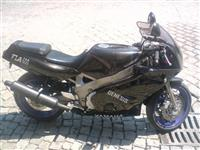 Yamaha FZR 600 -95