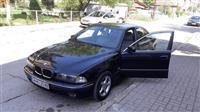 BMW 530 M crna boja