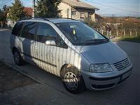 VW Sharan -01