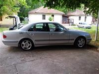 Mercedes Benz E200 CDI -01