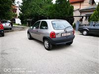 Opel Corsa 1.4 8v kako od fabrika