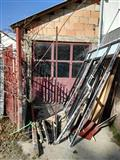 Se izdava garaza pogodna za magacin