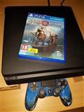 Skoro nov PlayStation 4