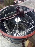 Sndaci za pceli i centrifuga za med