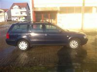 VW Passat 1.9 tdi 66kw temno plava -99