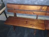 Drveni masi klupi i stolici