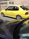 Hyundai Accent cela god registrirana