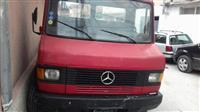 Kamion Mercedes-Bens 811-90