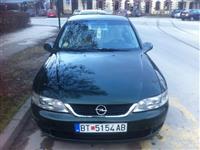 Opel Vectra b klasa 2.2 -02