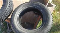 Povolni gumi za Jeep