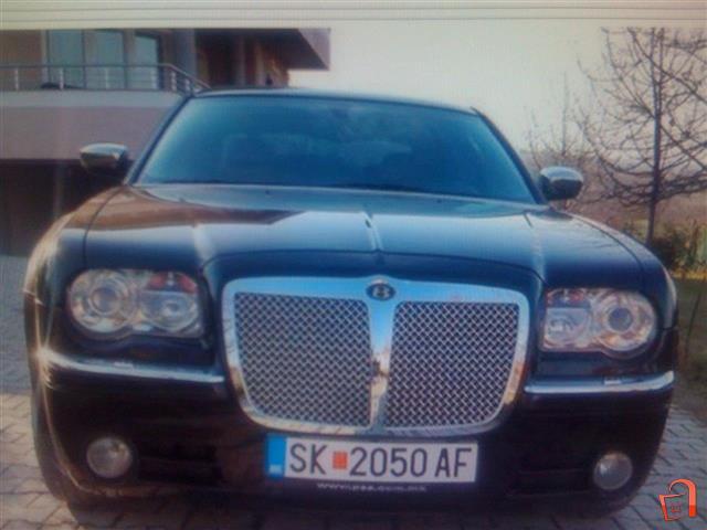 Chrysler-300C-BENTLEY-optic--06-mozna-zamena