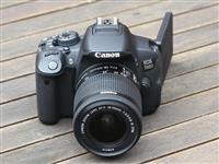 Canon 700 D