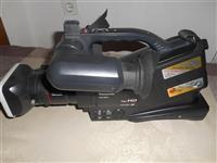 Profesionalna video kamera