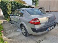 Продавам и менувам Renault Megane Sedane.