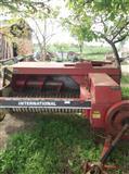Traktor Universal 640 baliracka Internacional 445d