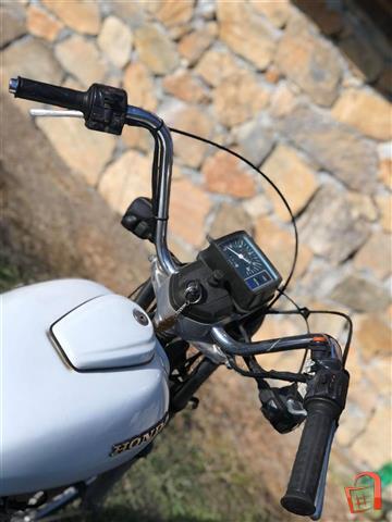 Honda-CM125T-vo-odlichna-sostojba