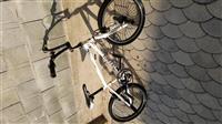 Velosiped BMX