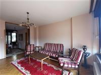 Се издава трособен стан во Скопје - Центар