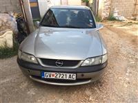 Opel Vectra 1.6 v16