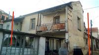 Stara kuka vo strog centar na Strumica