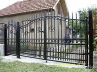 Izrabotka na ogradi od kovano zelezo nastresnici