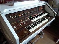 Piano Eminent Solina F-225