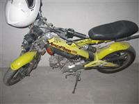 Odlicen motor 125 -08