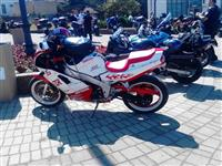 Yamaha FZR1000 moze zamena