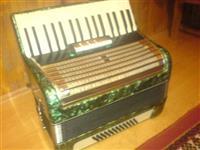 Harmonika skoro nova mnogu evtino