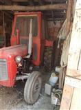 Traktor IMT 533 so plugovi i drljaci