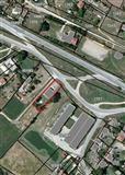 Gradezna parcela so dozvola za gradba na motel