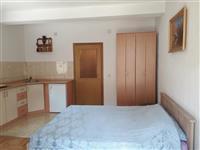 Se izdava apartman vo centar vo Ohrid