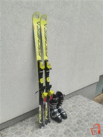 Skii-i-cizmi-za-skijanje