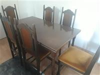 Se prodava trpezariska masa so sest stolici
