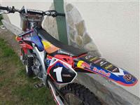 Cross Honda CRF